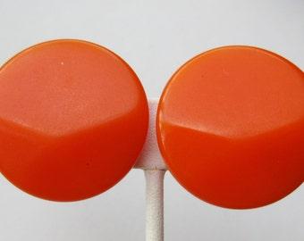 Vintage 50s Orange Facted Bakelite Screwback Earrings