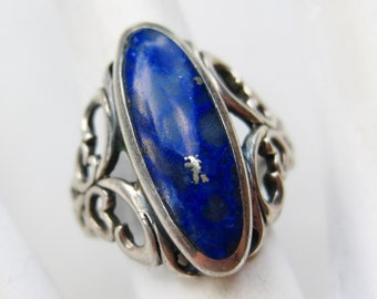 Vintage Ring Blue Lapis Lazuli Sterling Silver Pierced Cocktail Ring size 6 1/2