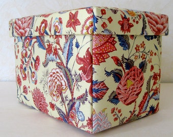 Fabric covered box with lid,  jewelry storage,  keepsake box, decorative box