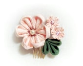 Tsumami kanzashi. Kanzashi flower. hair comb.  hair pin. fabric flower. japanese flower. japanese art. Bridal, prom, party, hair ornament