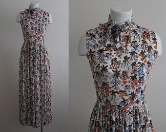 Vintage 1970s Floral Maxi Dress / Necktie Maxie Dress / Vintage Long 1970s Floral Dress / Long Floral Dress / Size Small / Medium