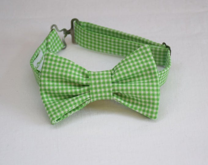 Boy's pre-tied Bow Tie in grass green gingham, father/son matching ties, wedding accessory, toddler bow tie, ring bearer bow tie,