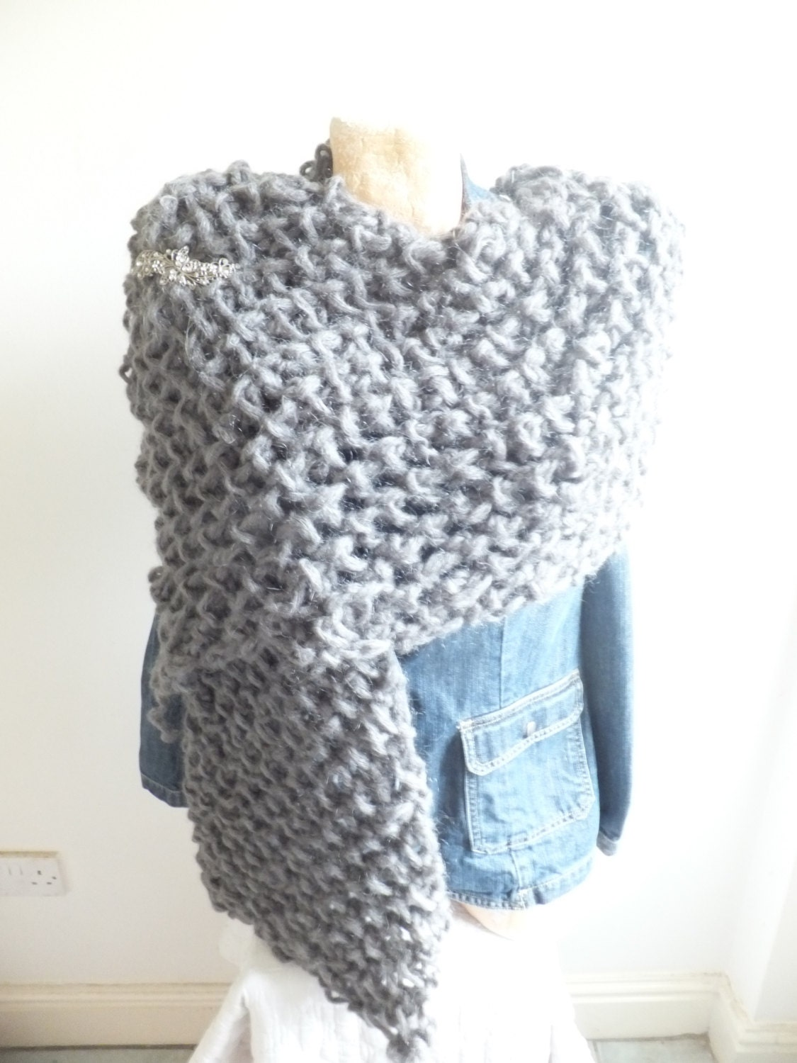 Easy Finger Knit Regal Shawl PDF knitting pattern by mypdfpatterns
