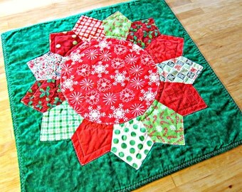 Quilted Table Runner, Christmas Table Runner, Christmas Table Topper, Christmas Centerpiece, Christmas Wall Hanging, Quilted Candle Mat