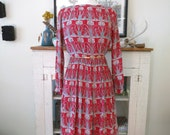S, M 70s dress, red silk with art nouveau print, midi length, from Japan