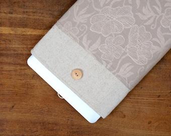 50% OFF SALE White Linen MacBook Case. Case for MacBook 15 Pro Retina. Sleeve for MacBook 15 Pro with dark flowers pocket. MacBook Cover