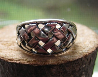 Vintage Sterling Silver Women's or Girl's Ring Size 5 Woven Weave Design