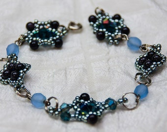 Beaded Clusters Link Bracelet in Blue Goldstone. Periwinkle, and Silver
