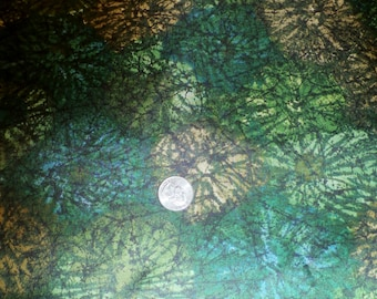 "Vintage 1960s Rayon Greens and Golds Floral Dress Fabric 46"" x 105"""