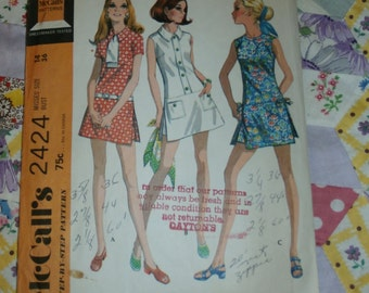 "Vintage 1970 McCalls Play Dress and Shorts Pattern 2424 Sz 14, Bust 36"", Waist 27"", Hip 38"""