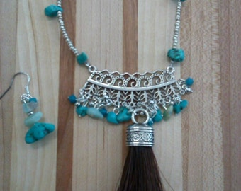 Horsehair necklace with earrings
