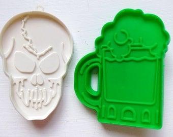 "2 Hallmark Cookie Cutters - Skeleton Skull, Root Beer Mug Vintage 4"" Imprint"