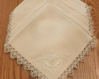 12 Point de Venise Italian Lace Napkins with Embroidery on Linen  - 18 X 18 - Handmade - 1940's. - NC