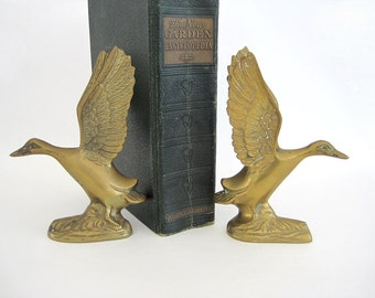 Vintage Brass Duck Figurine Bookends Small Pair Flying Landing Ducks Geese Metal Home Decor Nature Man Gift