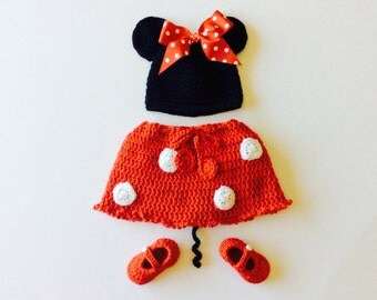 MADE TO ORDER Minny Mouse Hat, Boooties and Diaper cover set, custom sizes from 0 to 12 months
