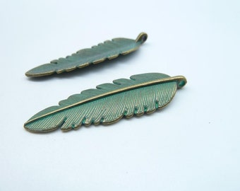 10pcs 14x44mm Leaf Rustic Charms, Bronze with Green Patina Leaf Rustic Patina Charms Pendant c8151