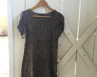 1990s vintage soft cotton army green & gray cheetah print dress xs/s