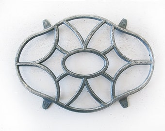 Metal trivet, Aluminum Diamond Trivet, French Pan Stand , Country Table Mat