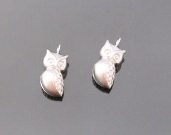Matte Silver Tarnish Resistant 3D Animal Owl Charm Connectors, Earring Findings, pendants, 2 pc, KH815386