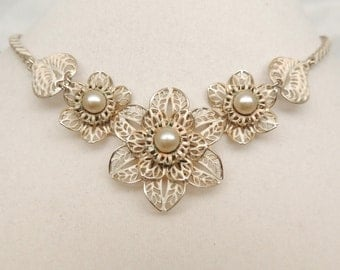 Vintage Filigree Flower Necklace