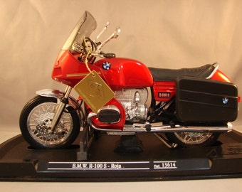 Vintage Guiloy Diecast Model BMW R-100S in Red 1/10 Scale Collectible Motorcycle Model