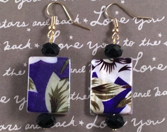 Gorgeous navy floral earrings