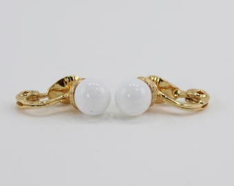 Vintage Signed Monet Goldtone White Lucite Gold Tone Traditional Mod Minimalist Clip On Earrings