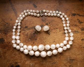 Vintage Graduated White Ball Bead Necklace and Earring Set - Retro Sixties Jewelry for Valentine's Day!