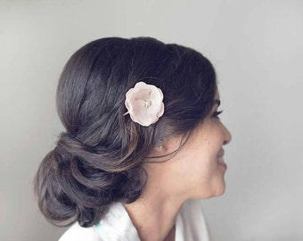 Blush Bridal Flower Hair Clip, Blush Pink Wedding Hair Accessory, Blush Fascinator, Blush Bobby Pin, Blush Silk Flower Clip