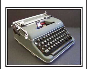 Green 1950s Manual Olympia Typerwriter SN# 1071093