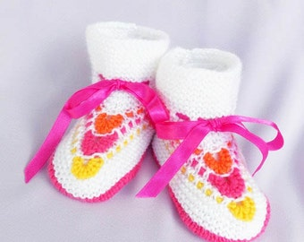 Discount - Hand knitted baby booties,knit baby booties, white baby botties, knitted  baby shoes, baby girls booties, READY TO SHIP
