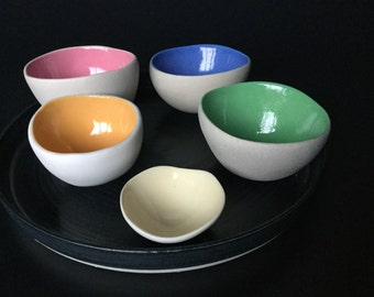 Paint-pots - set of small ceramic pinch pots on flat ceramic plate, pinch pot collection, colourful glazed pinchpots
