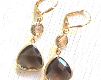 Dangle Earrings with Smokey Quartz Brown Teardrop and Champagne. Brown and Champagne Dangle Earrings in Gold.  Jewel Fashion Earrings.