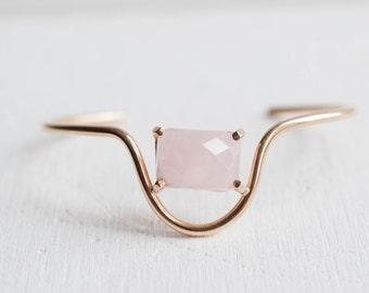 Rose Quartz Curve Bracelet | 14k Gold Fill