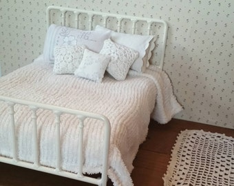 Double Bed Shabby Chic Metal Bed for Blythe or Barbie Doll