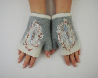 Short Felted Fingerless Gloves Fingerless Mittens Arm warmers Wristlets Merino Wool White, Gray