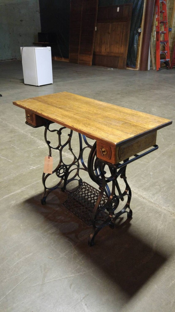 table made from a singer sewing machine base by cottagetreasureslv. Black Bedroom Furniture Sets. Home Design Ideas