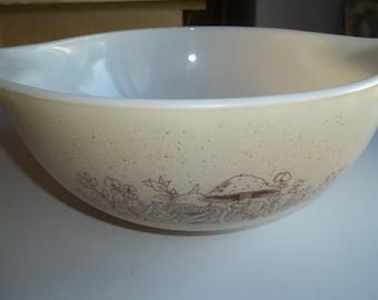 Forest Fancies, Pyrex#443, Vintage Cinderella  Mixing Bowl 2 1/2 Quart
