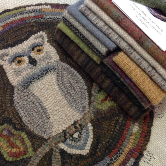 "Rug Hooking KIT, Woodland Owl Chair Pad or Table Mat, 14"" Round, J898, Primitive Rug Hooking Kit, Folk Art Owl"