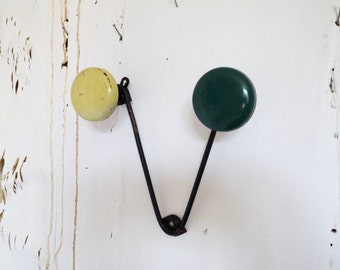 French Retro Atomic Coat Hook Hat Rack 50s Green and Yellow 2 Pegs