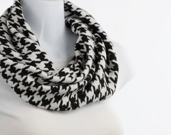 Black and White Houndstooth Infinity Scarf SOFT ~ WL038-S5