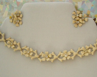 Vintage Ivory Enamel Chocker and screw back Earrings with Rhinestones 1940s