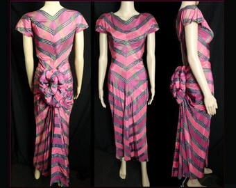 Vintage 1930s Dress //30s Dress// Gown// Bustle in Back// Art Deco