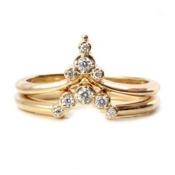 Trailing Diamond Pointed Ring Set - Elegant and Modern Stacking Diamond Rings