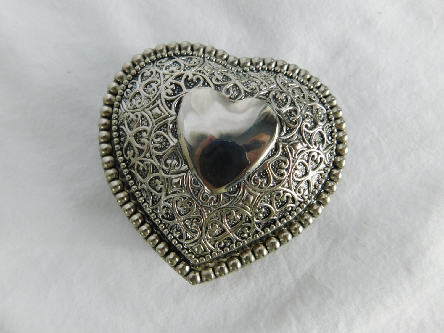 Vintage silver plate fancy heart trinket or jewelry box or for Heart ring box