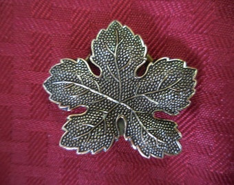 Vintage 1950s to 1960s Gold Tone Large Leaf Scarf Clip Western Germany Eloxal German Accessory