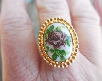 Vintage Gold Tone Adjustable Ring 1960s to 1970s With White Glass Cabochon Pink/Purple Rose Green Leaves Size 7 to 8