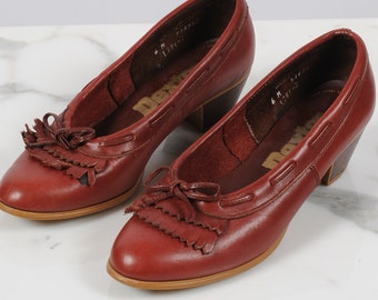 1970s shoes/ 70s leather wooden heels/ size 6