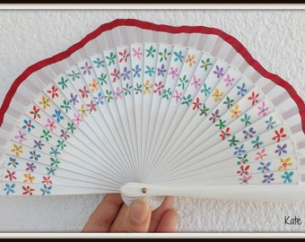 MTO Ditsy Floral Wooden Hand Fan - Scalloped White