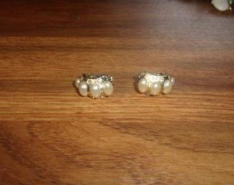 vintage clip on earrings faux pearls rhinestones